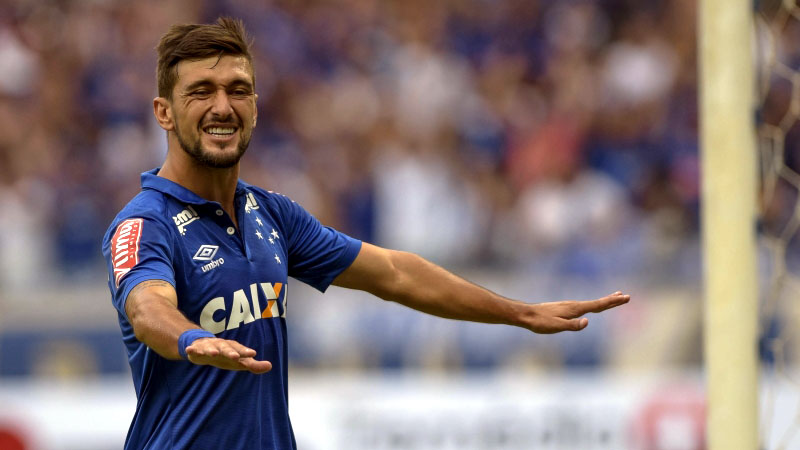 De Arrascaeta é uma das estrelas do Cruzeiro