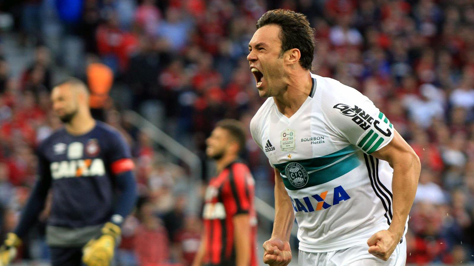 Kléber Gladiador é o capitão do Coritiba (Foto: divulgação Coritiba FC)