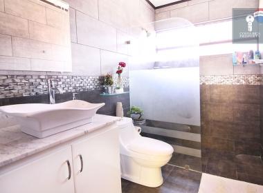 04-bathroom