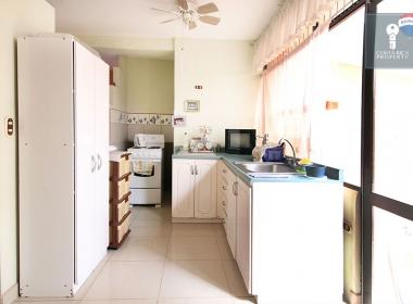 24-apartment-kitchen