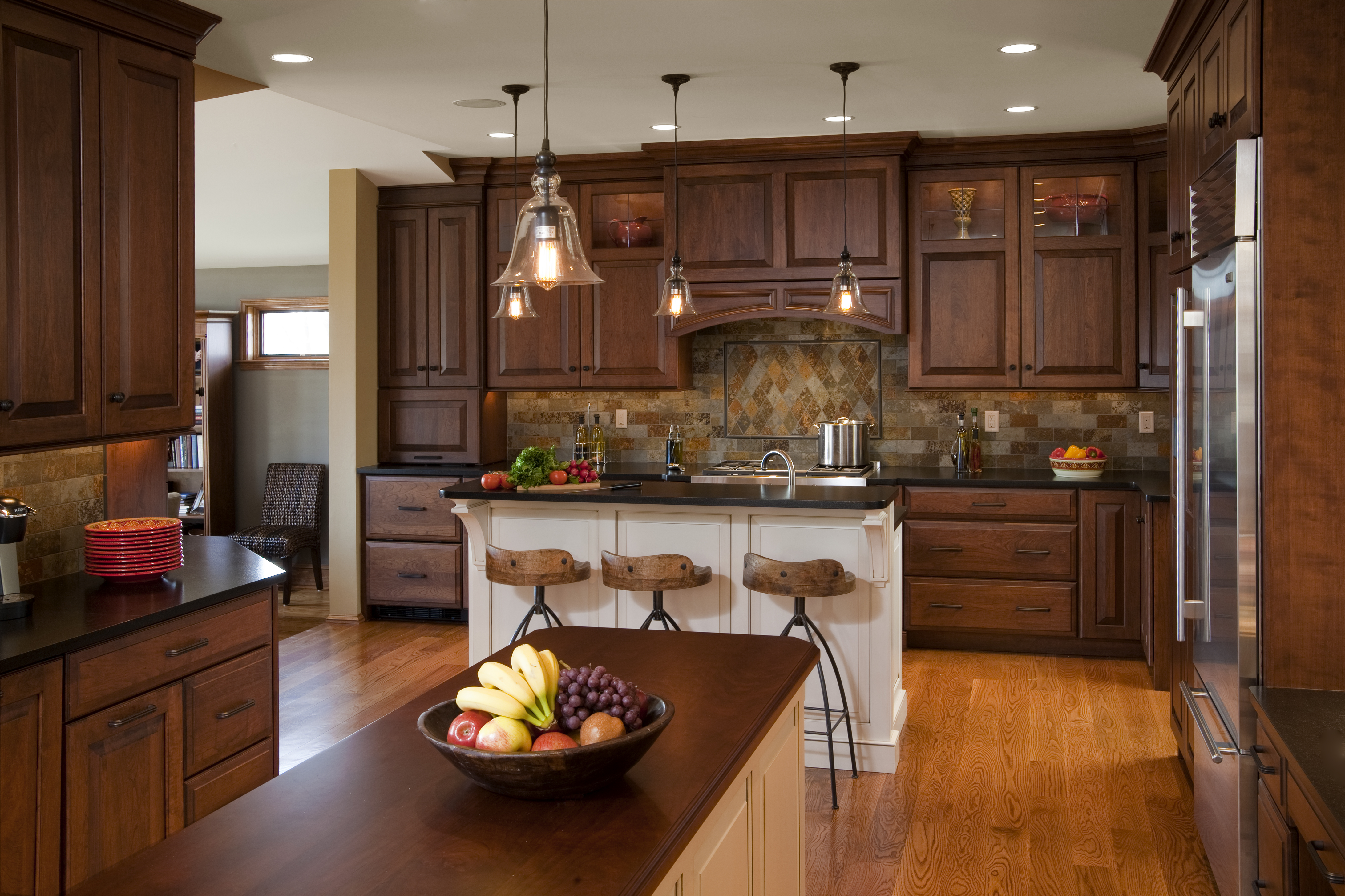 Minimalist Traditional Kitchen Designs With Simple Traditional Kitchen Designs And Decorating Gallery Ideas