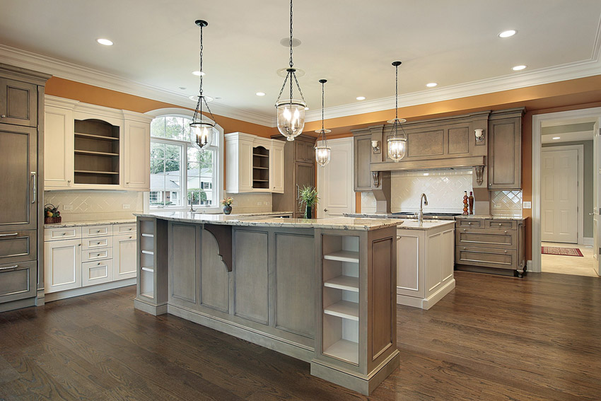 Minimalist Traditional Kitchen Designs With Spacious Kitchen In Traditional Style