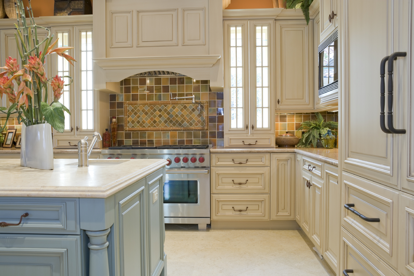Fresh Traditional Kitchen Designs With Traditional Kitchen Designs White Cabinets