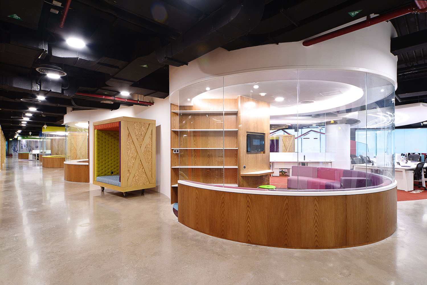 Brilliant Corporate Office Interior Design Ideas With Awesome Corporate Office Design