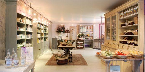 Impressive Boutique Interior Design Ideas With Small Boutique Interior Design Images Interior Design Boutiques Best And Stores Imanada