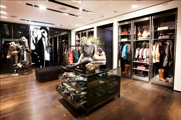 Simple Boutique Interior Design Ideas With Top Quality Clothes ...