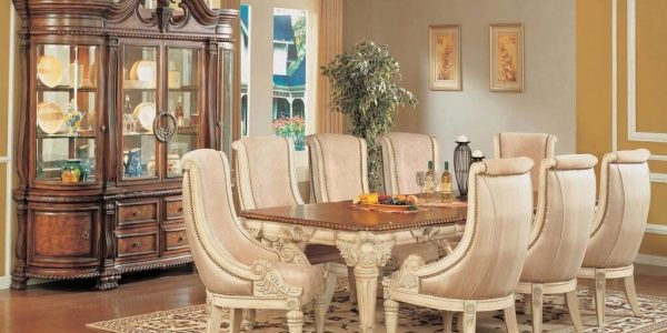 Popular Decorating Ideas For Dining Room With Formal Dining Room Ideas With Beautiful Chandelier Dining Room Table Centerpiece Ideas Ideas For Dining Room Decor Dining Room Ideas And Colors