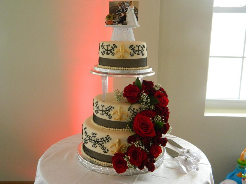 Fresh Flower in Cake Decoration
