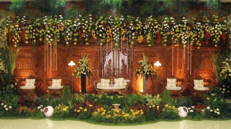 classic wedding chair decoration