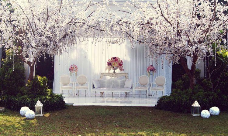 Bright Tree for Wedding Decoration Ideas