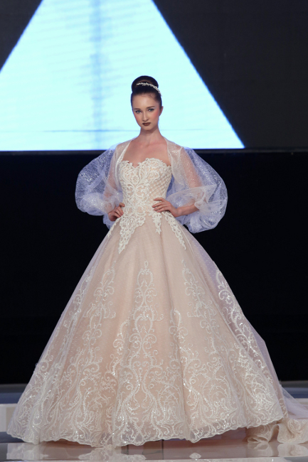 Retro Glamour Wedding Dress