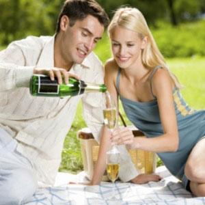 Minimalist Romantic Wedding Anniversary Ideas   Topup Wedding Ideas