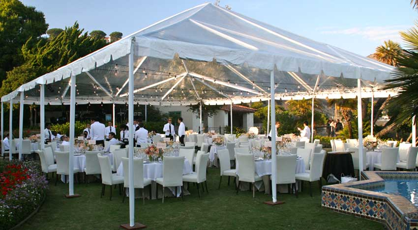 Simple Wedding Tent & Add These Unusual Outdoor Wedding Tent Decorations to Your Wedding ...