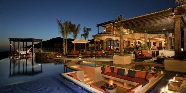 Trend Luxury House With Plush Design Luxury Home Designs Modern Decoration Home Design Luxury Designs