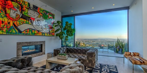 Popular Mansions In Hollywood With Marons House Is Set On A Lot Overlooking Los Angeles In The Hollywood Hills