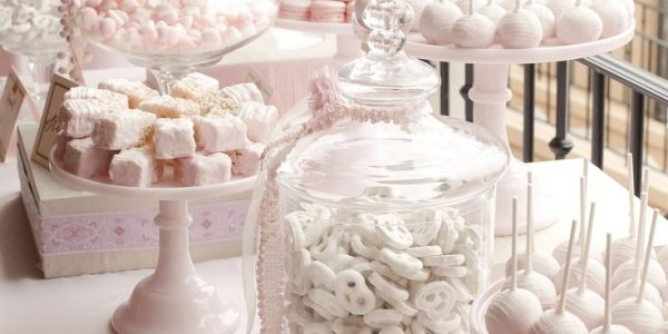 Get Inspired By These Deliciously Creative Pretty Candy Wedding Favors