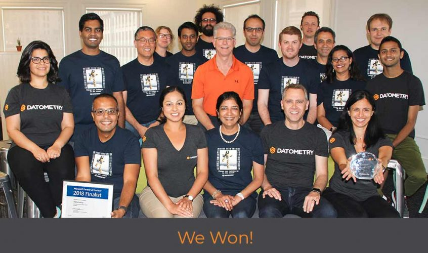 Datometry team with cloud innovation award
