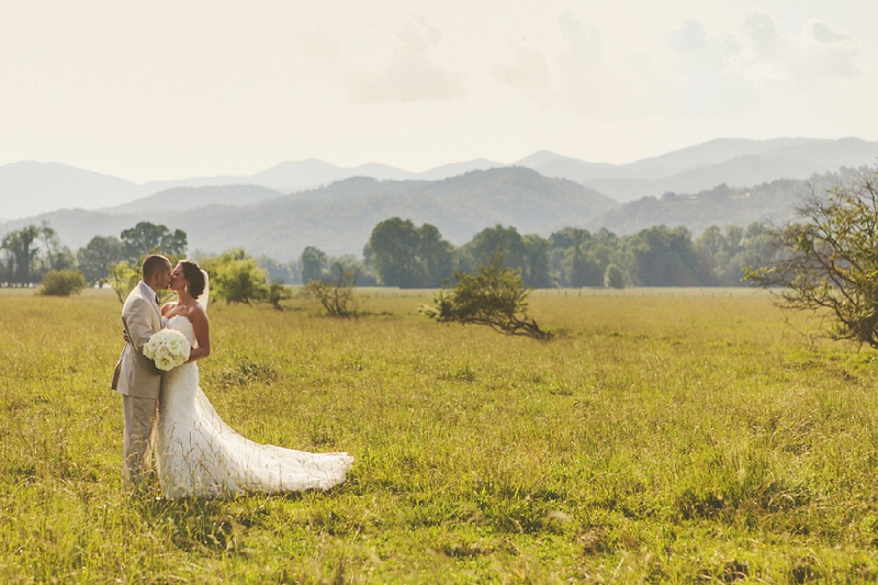Vintage Chic North Carolina Wedding via TheELD.com