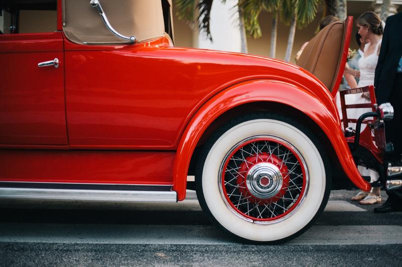 A Peach Vintage Eclectic DIY Wedding via TheELD.com