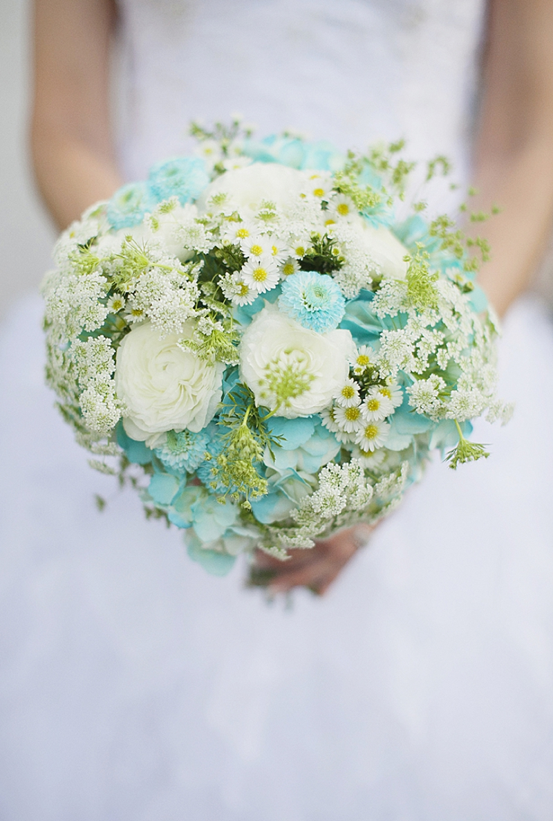 Aqua Wedding Ideas {Rustic}  via TheELD.com