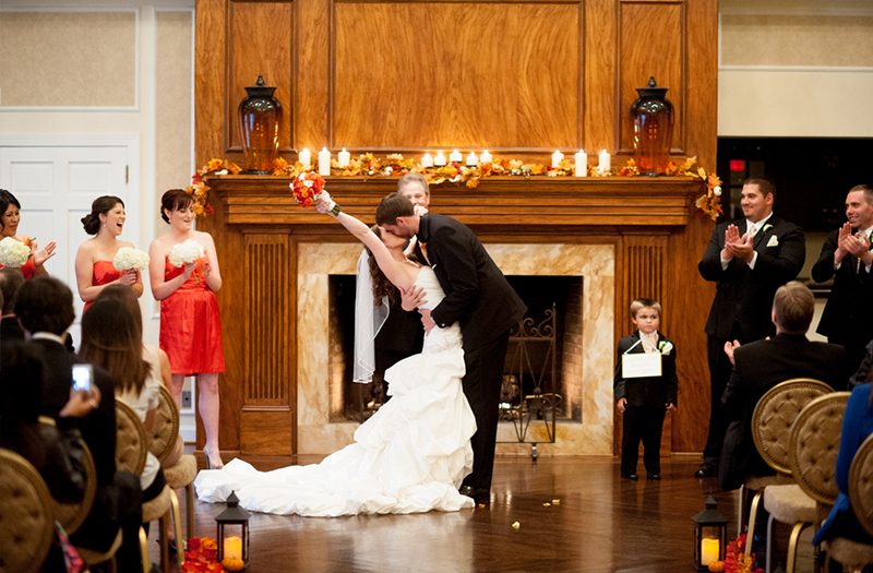 A Virginia Red and Orange Fall Wedding via TheELD.com