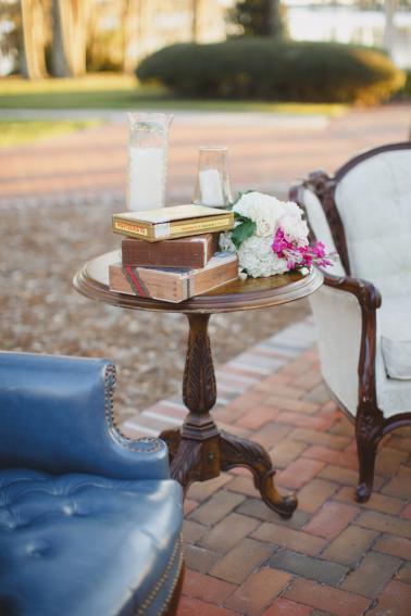 Vintage Modern Florida Estate Wedding via TheELD.com