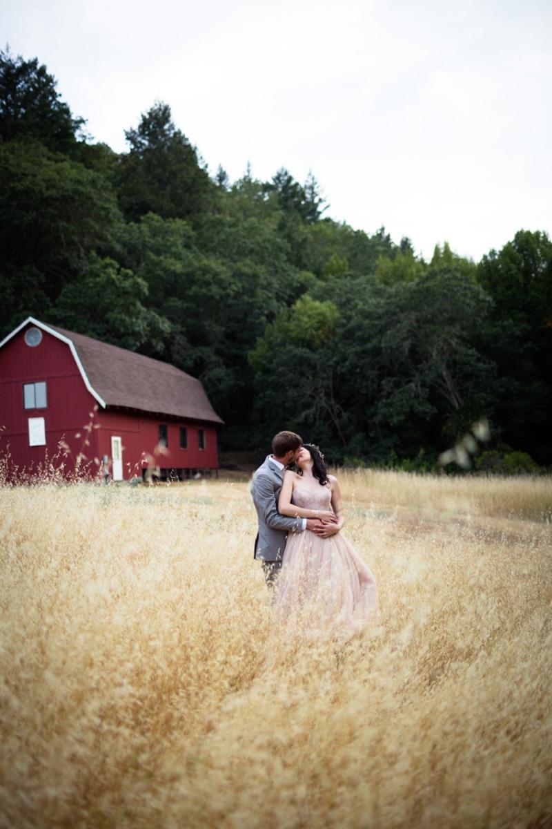 Organic & Romantic Backyard Wedding via TheELD.com