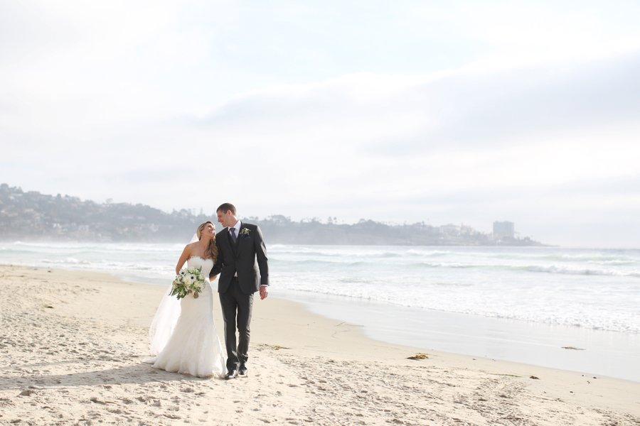 An Elegant Blush & White San Diego Wedding via TheELD.com