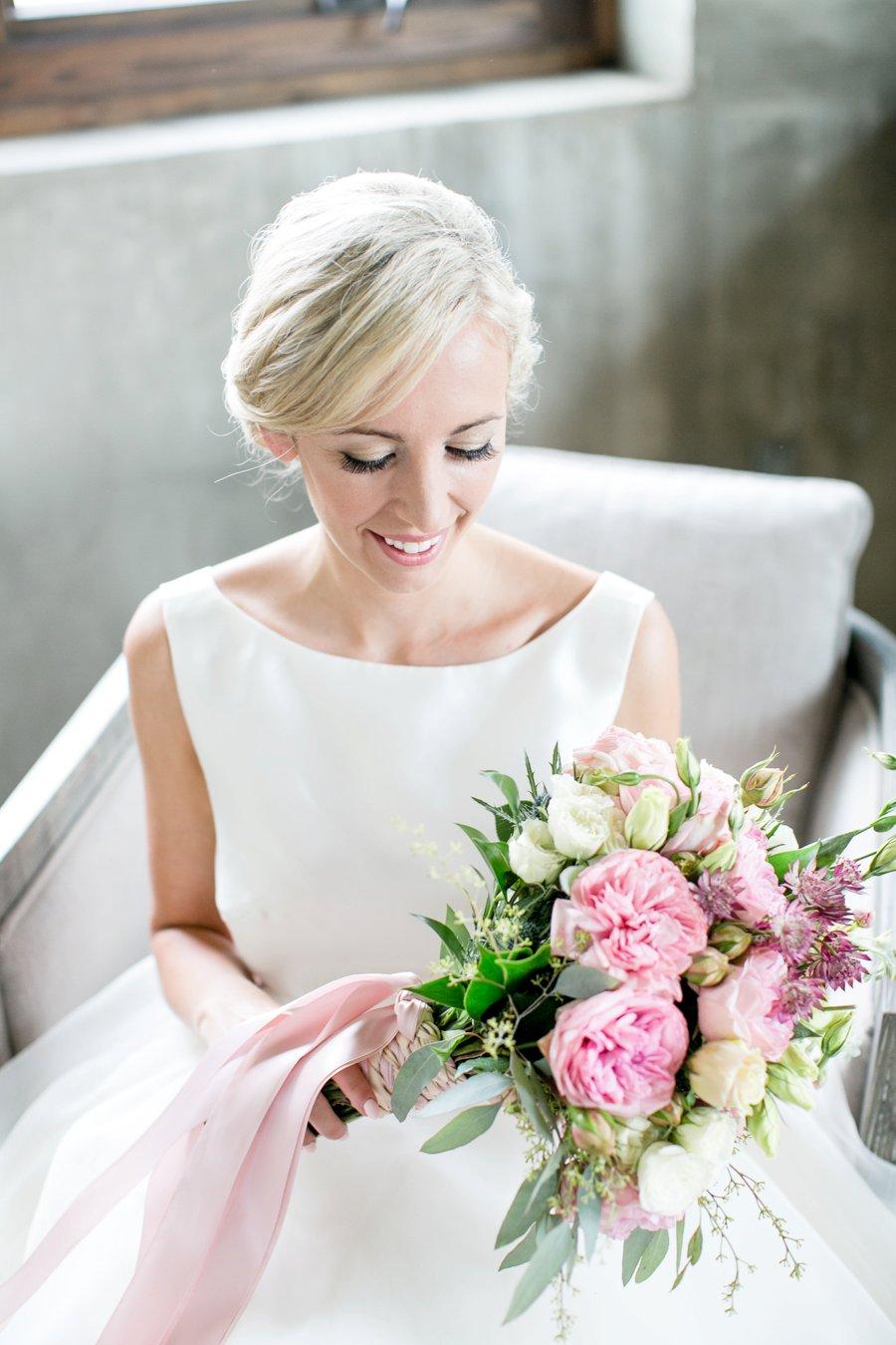 An Organic Georgia themed Peach and White Wedding via TheELD.com