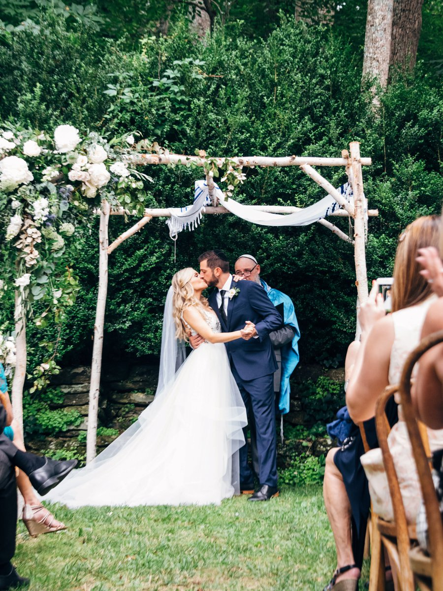 A Romantic Rustic White, Blush, & Blue Asheville Wedding via TheELD.com