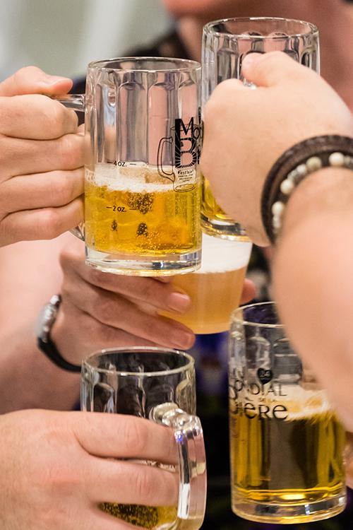 Les visiteurs pourront se désaltérer de bières de provenance internationale.