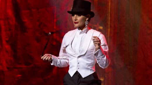 Scarlett James Grande Revue Burlesque