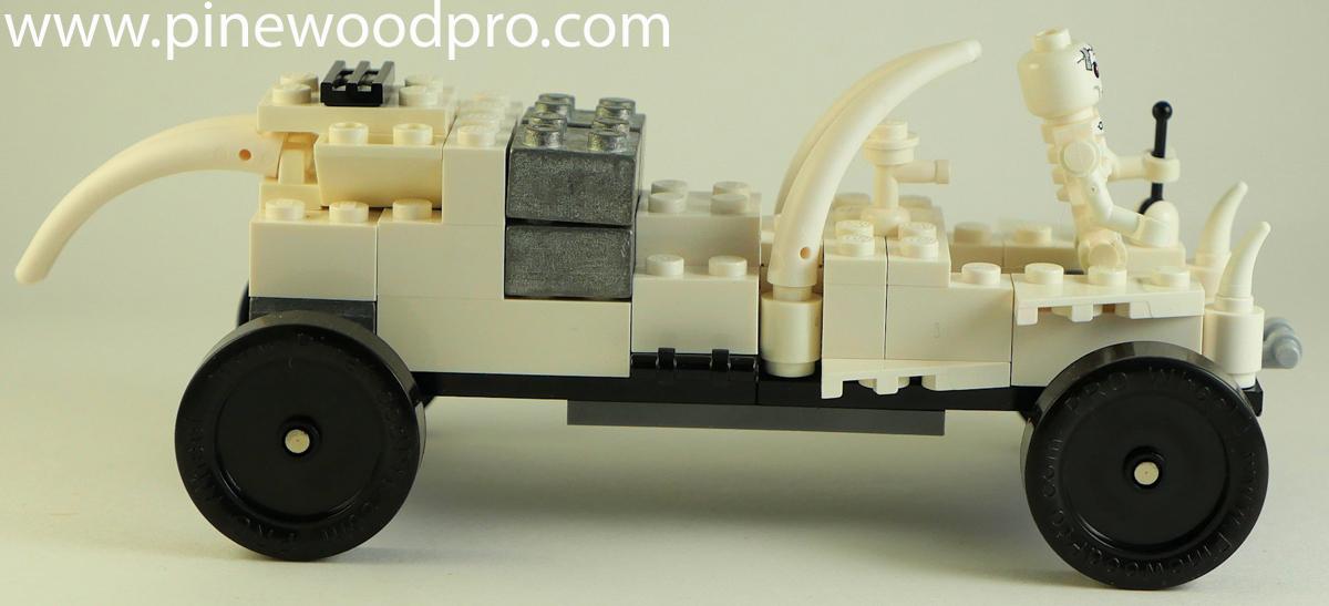 Minecraft-white-car.jpg
