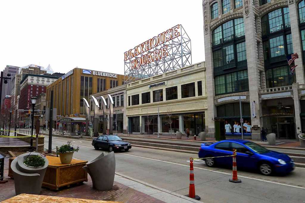 Steel-Playhouse-Square-Signage-Chandelier (14)