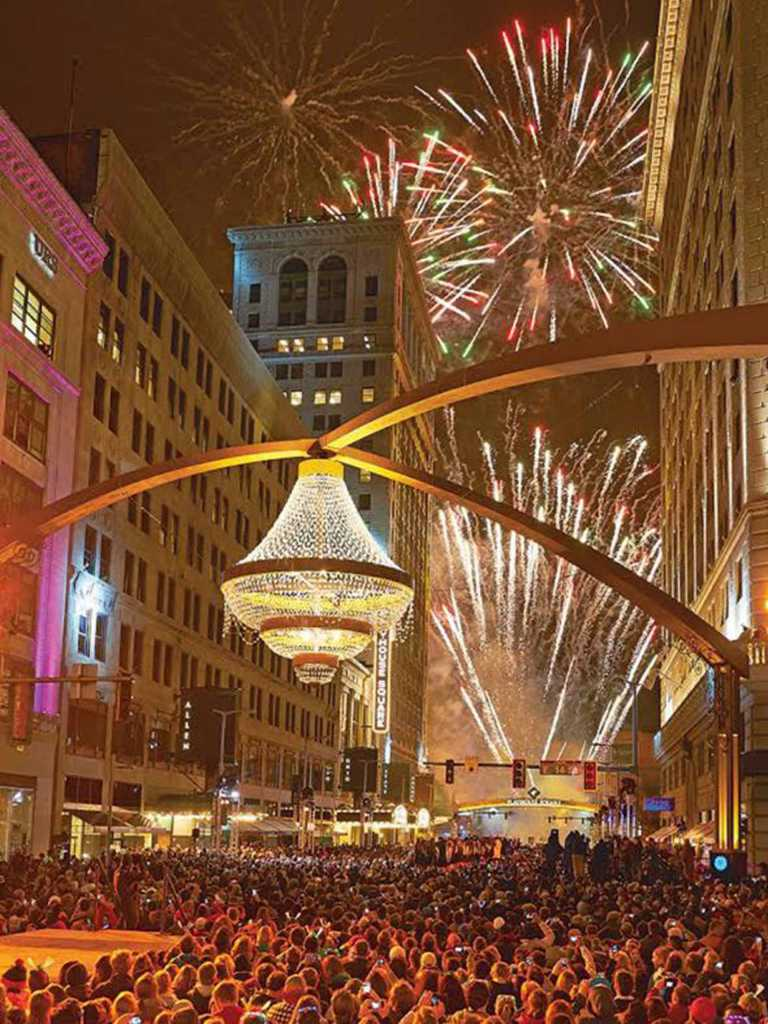 Steel-Playhouse-Square-Signage-Chandelier (19)