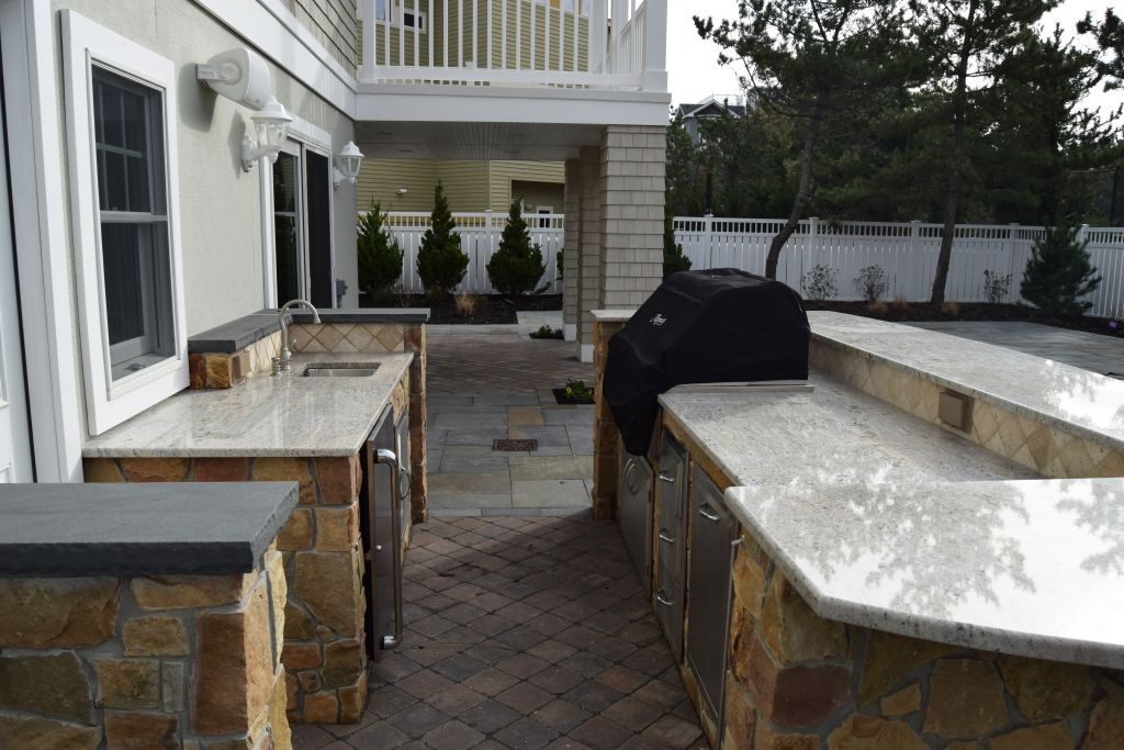 outdoor living spaces custom homes