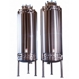 HOLLOWAY AMERICA crafts stainless steel bioreactors like the one shown here