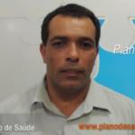 Vendedor Carlos oferece o plano de saúde Prata Extra da Unimed em Recife