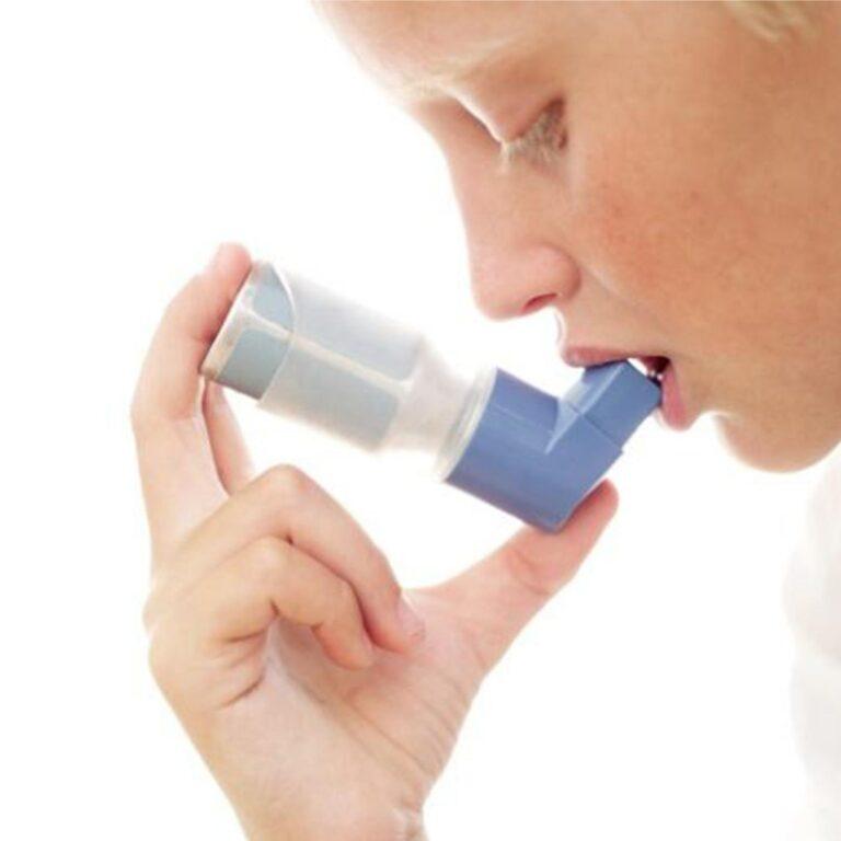 Tratamento de asma com um plano de saúde