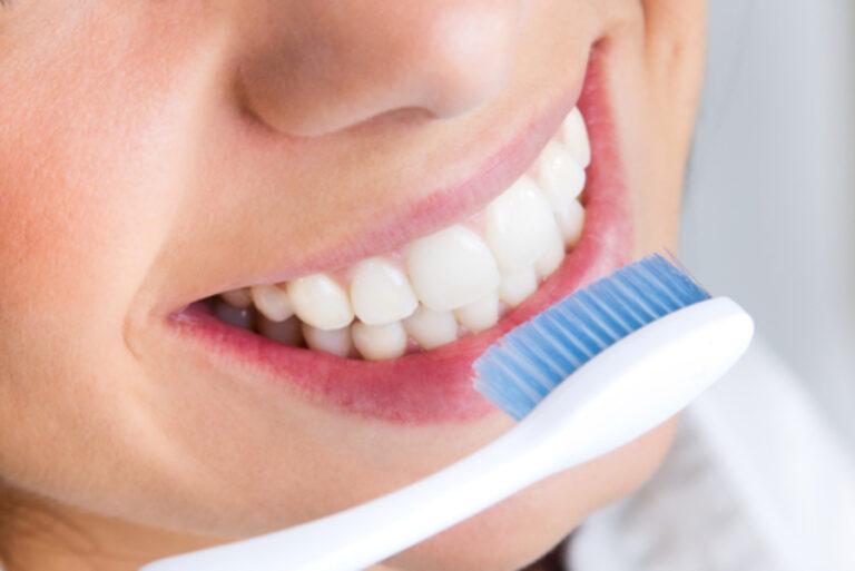 Cuidados com os dentes: 10 dicas para melhorar sua saúde bucal