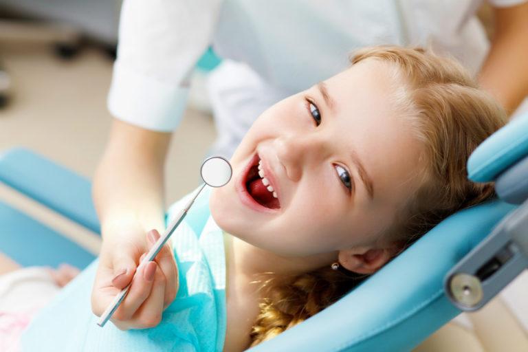 Criança precisa de plano odontológico?