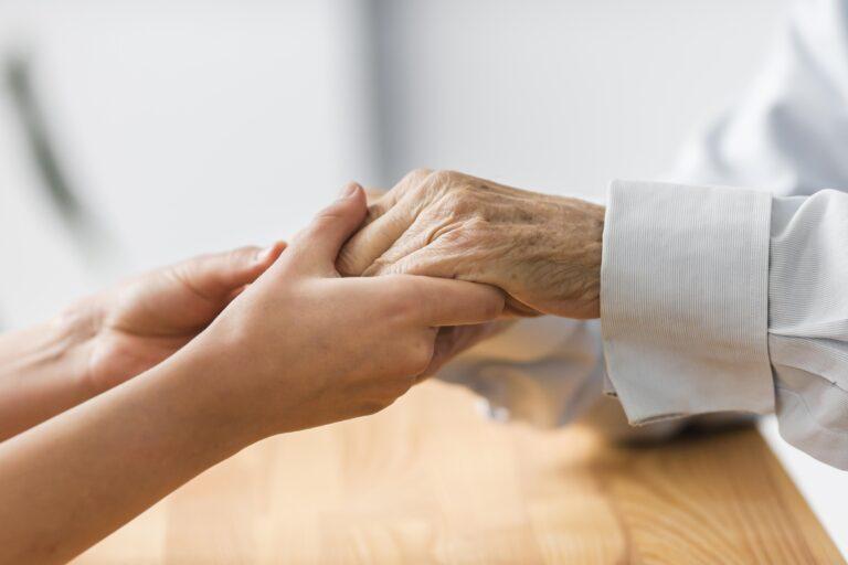 Saiba como funcionam os planos de saúde para idosos!
