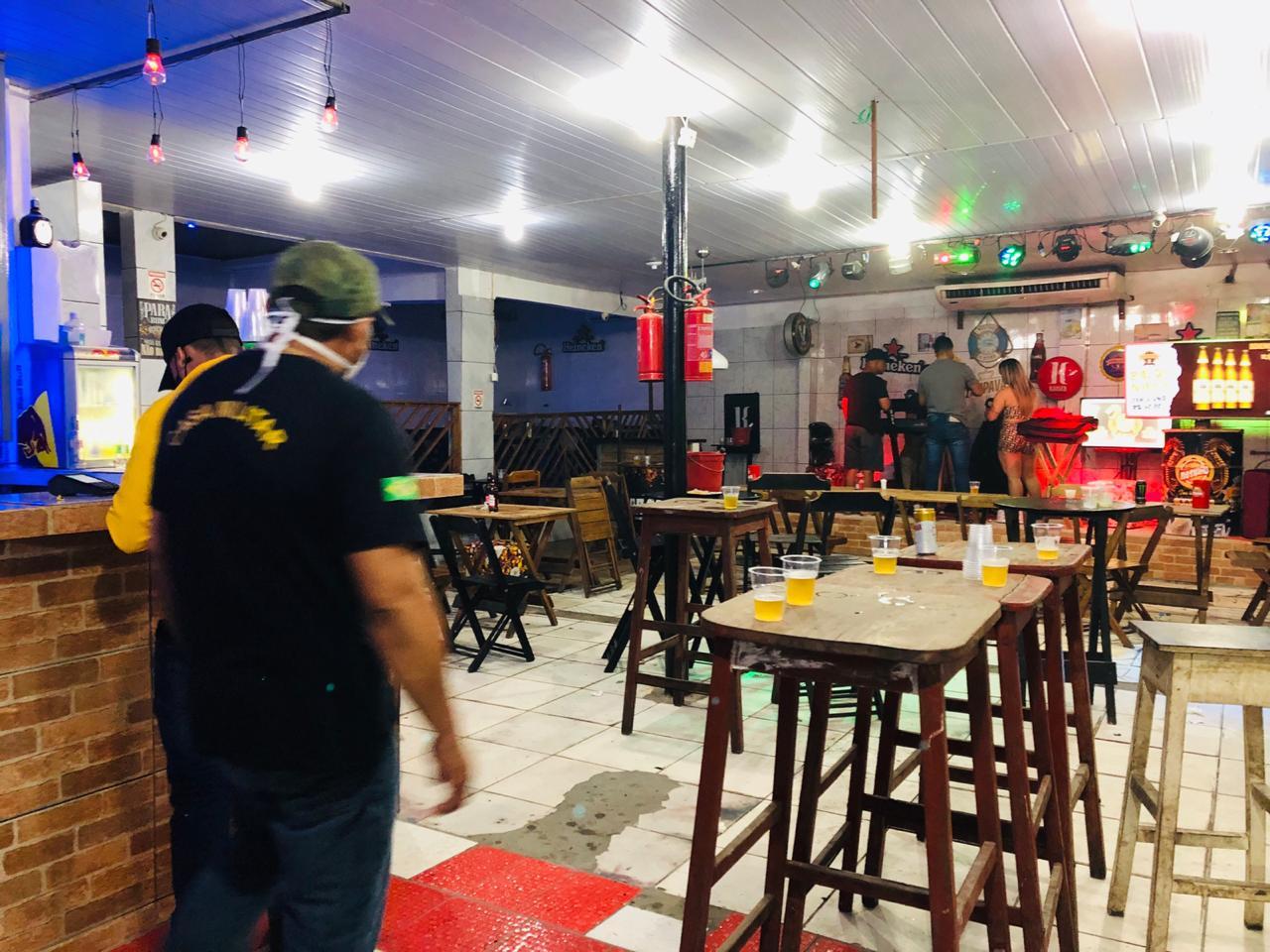 Bar interditado em Manaus