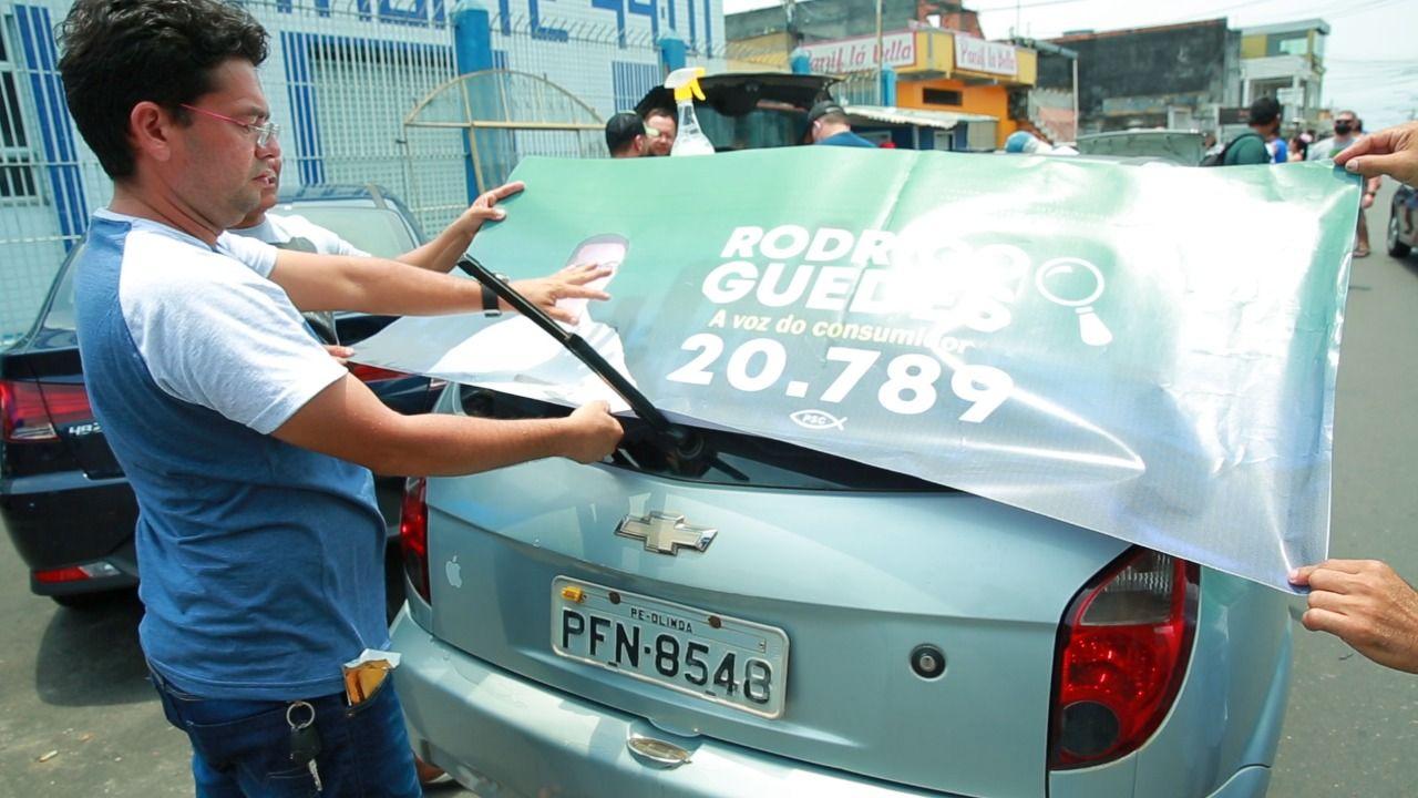 Adesivaço de Rodrigo Guedes