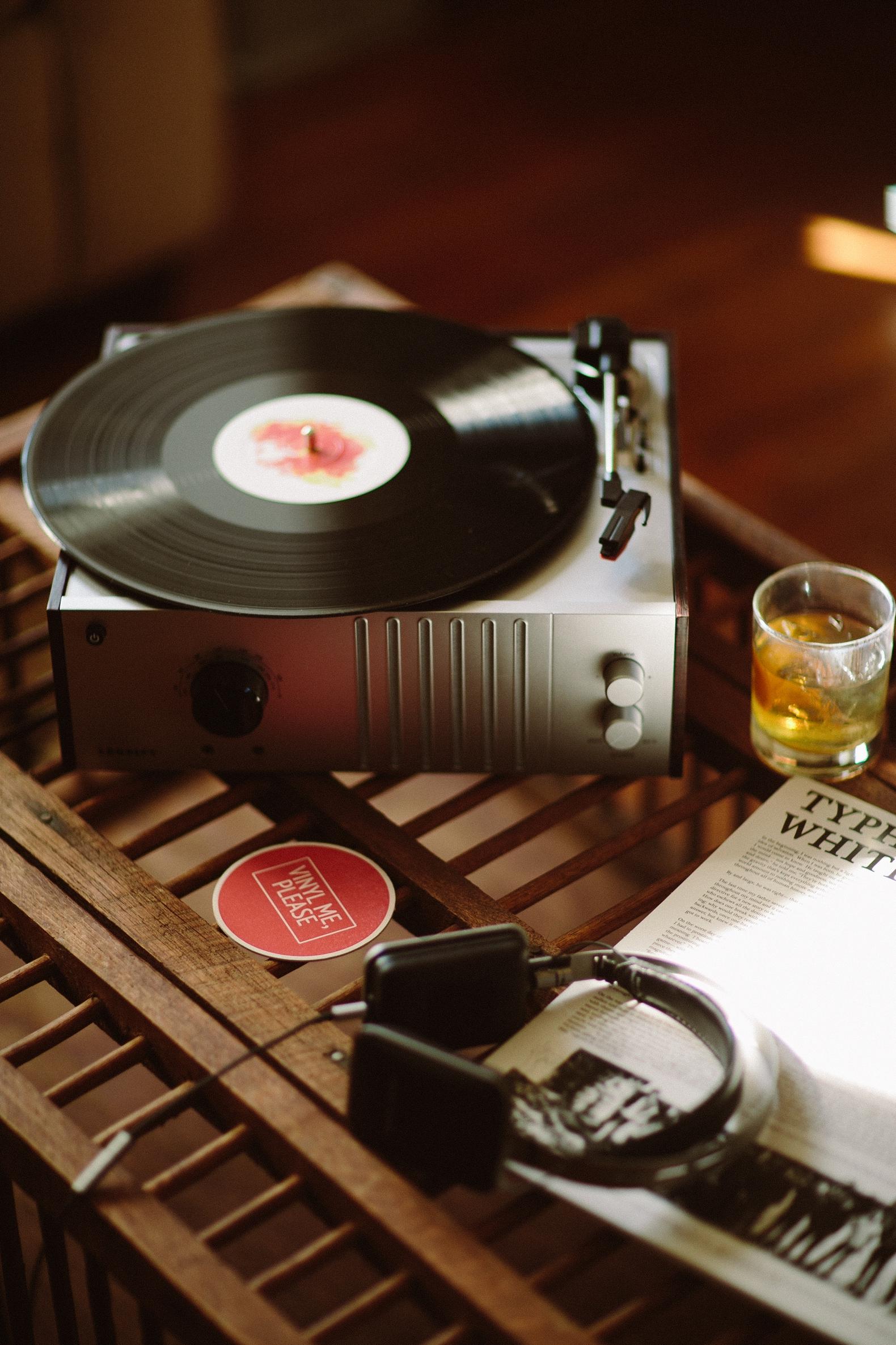 vinyl-me-please-0002