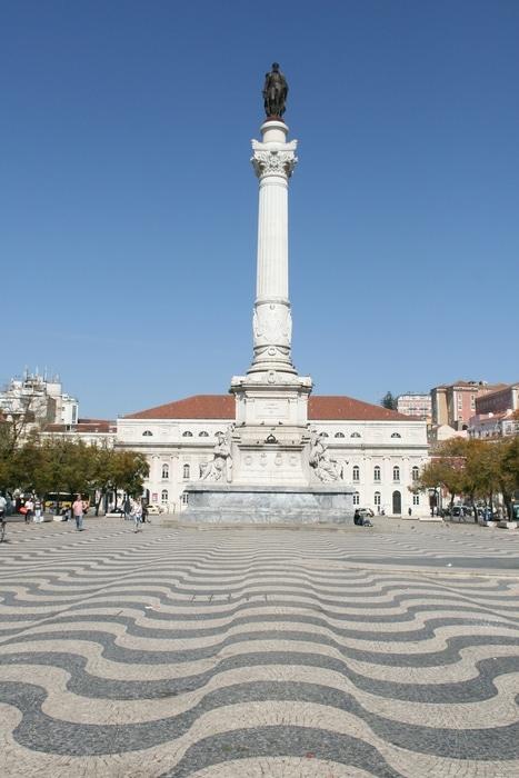 Plaza Rossio, una de las plazas emblemáticas que ver en Lisboa Portugal