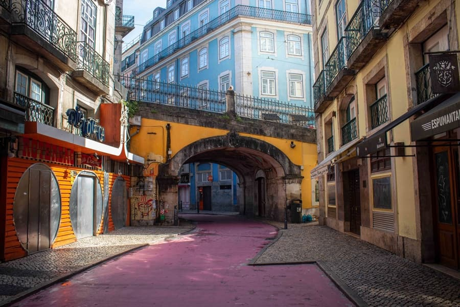 Pink Street, an interesting place in Lisbon to visit