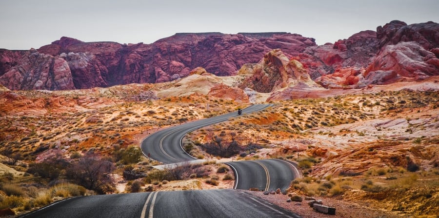 Valley of Fire State Park, a hiking trail close to Las Vegas