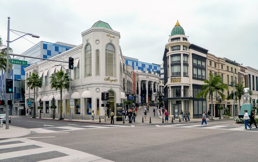 Rodeo Drive, the most luxurious boutiques in Los Angeles