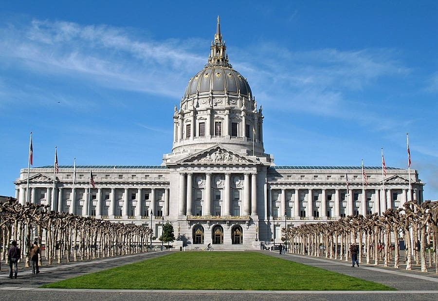 San Francisco City Hall, a must see building in SF